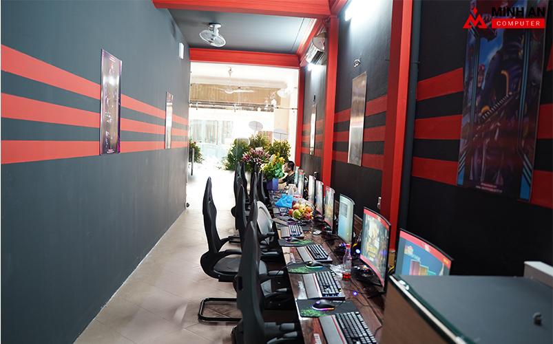 Tông màu đỏ đen bắt mắt tại Eternity Gaming