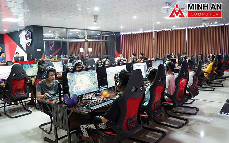 Cyber Game Icafe OLETER có số lượng người chơi cực khủng