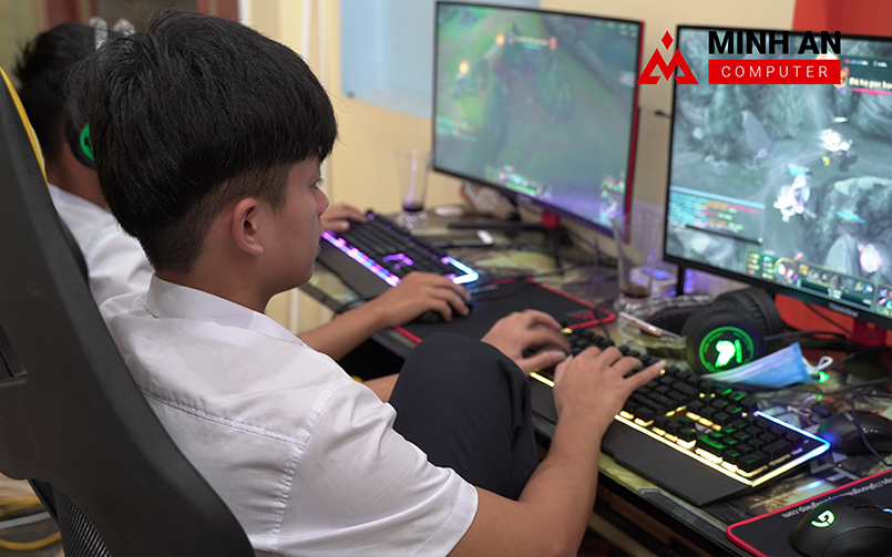 Game thủ tại Link Gaming - Cyber Game